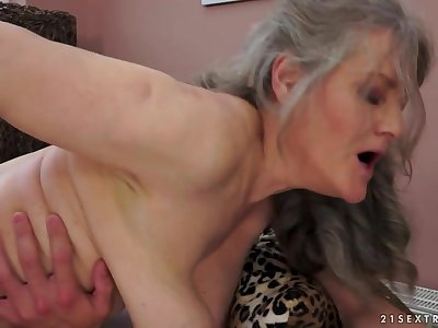 21Sextreme Video: Grandma Magic
