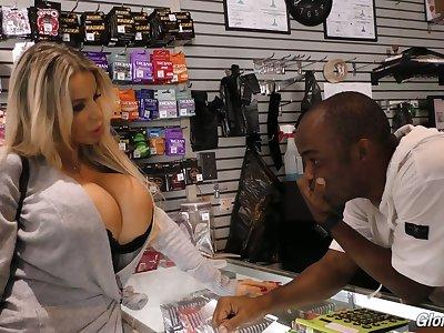 Blond bitch regarding king locality boobs Danielle Derek enjoys crazy glory hole sex