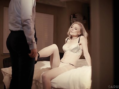 Flirty mature blonde Nina Hartley has seduced scrounger for random fantastic leman