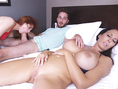 Stepbrother fuck stepsister space fully stepmom is sleeping