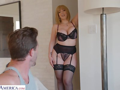 Curvaceous mommy in sexy lingerie Sara Entertainer seduces young stepson