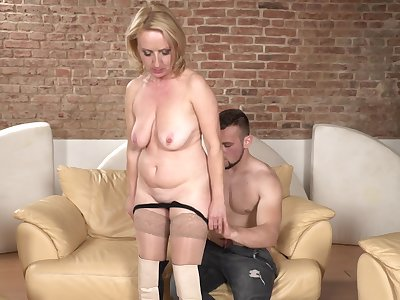 Amateur blonde mature Lindsey in nylon stockings fucked hard