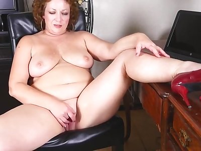 chubby mature mother fucks will not hear of big pussy - PureSexMatchcom