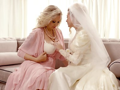 Bride enjoys the mature mother-in-law for a few rounds be beneficial to lesbian XXX
