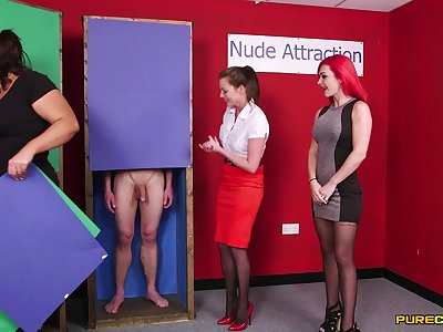 Naked alms-man gets his dick sucked by Jesse Jayne increased by Roxi Keogh